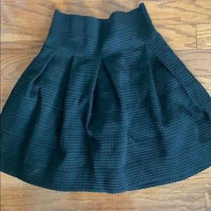H&M structured skirt NWOT
